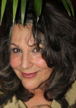 Gloria Rossi Menedes